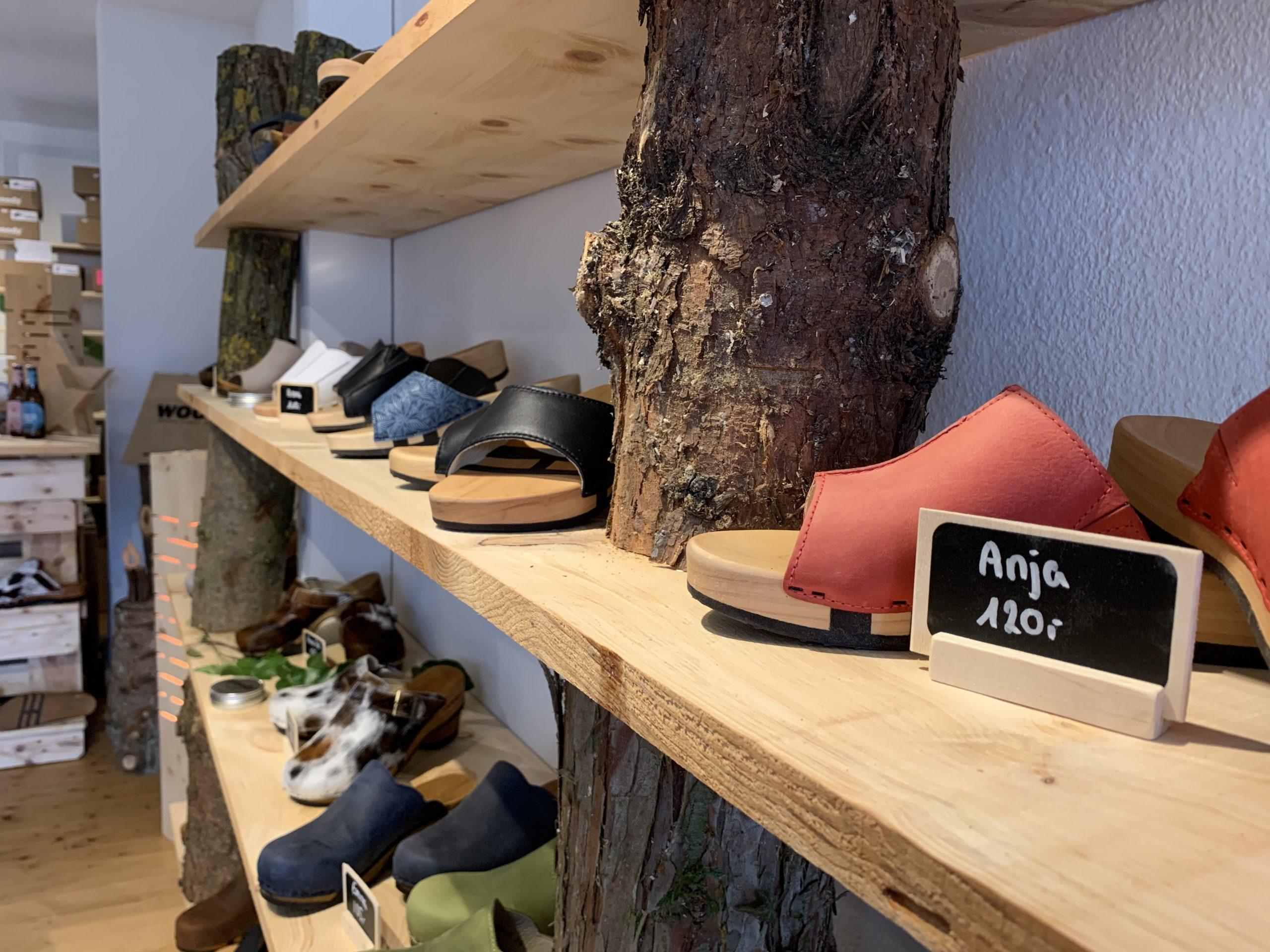 Der kleine Holzschuhladen Seligenstadt Woodys Sommerschuhe